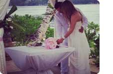 Najina poroka, Sejšeli